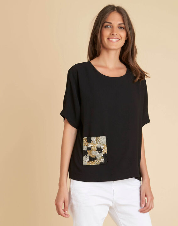 Gwen black T-shirt with beaded pocket (3) - 1-2-3
