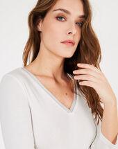 Neck ecru t-shirt with decorative neckline ecru.