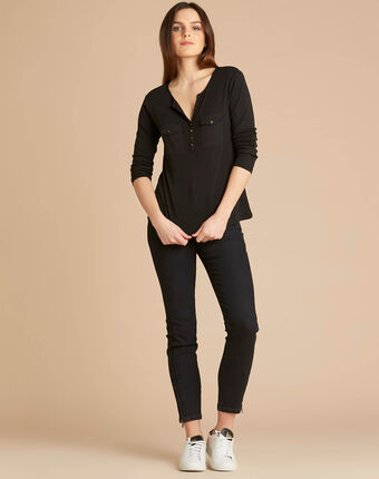Edith black t-shirt with 3/4 length sleeves black.