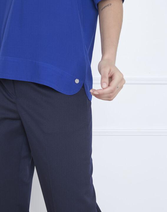 Blaue, weich fallende Bluse V-Ausschnitt Virginie (3) - Maison 123