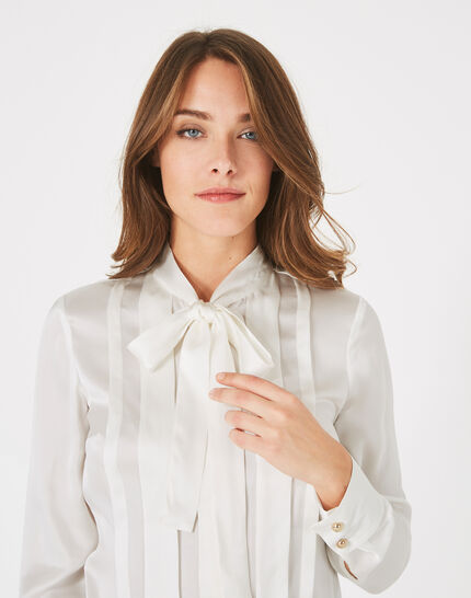Diva off-white silk blouse with pussy bow (3) - 1-2-3