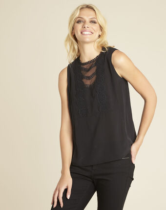 Corinne black t-shirt with lace neckline in silk black.