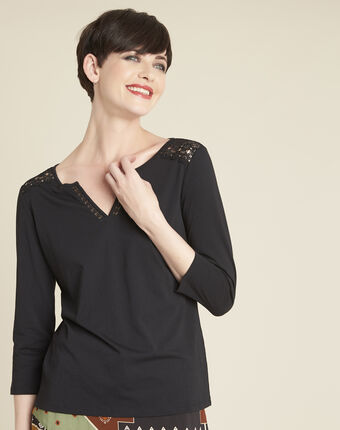 Galia black t-shirt with lace at the neckline black.