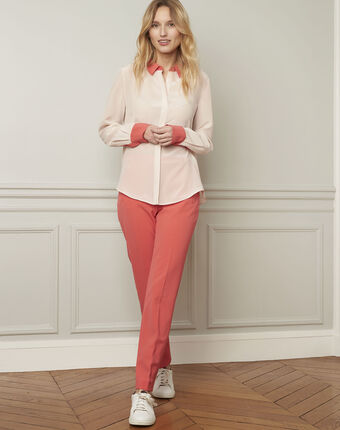 Violene silk powder blouse with contrasting collar and sleeves  powder.