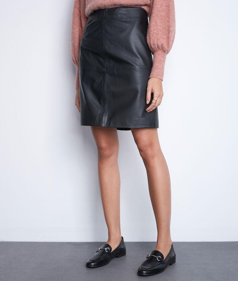 L'iconique jupe courte en cuir noir Bossa PhotoZ | 1-2-3