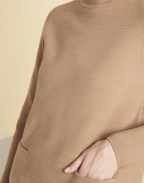 Beige trui van dun tricot met opstaande kraag Belize (3) - 37653