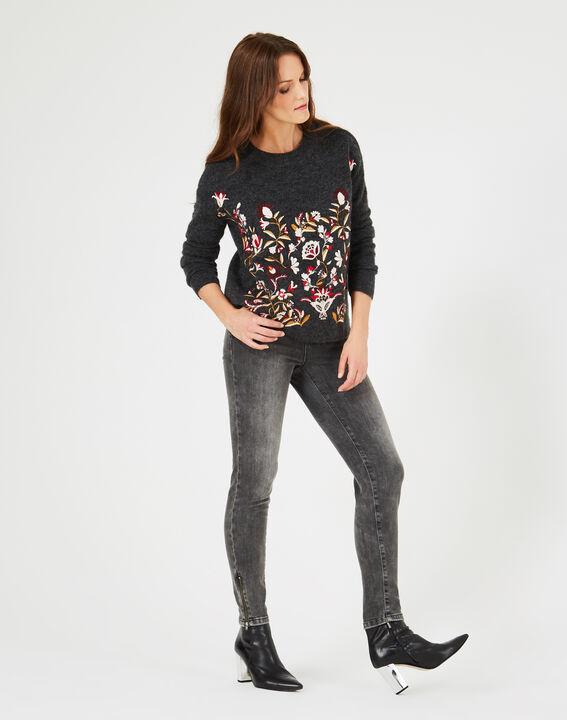 Grauer Pullover mit Stickerei Nastasia PhotoZ | 1-2-3