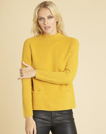 Pull ocre maille fine col montant belize ocre.