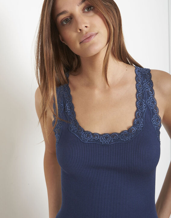 Guest blue vest top in cotton and silk with lace neckline PhotoZ | 1-2-3