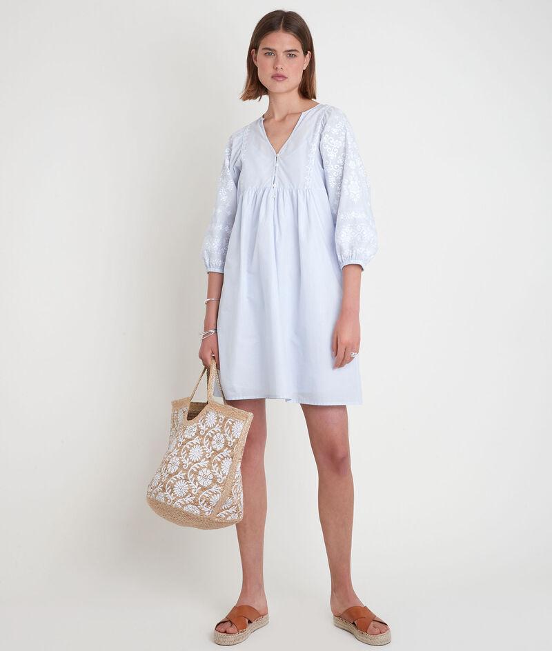 Robe courte brodée bleu pâle Samantha PhotoZ | 1-2-3