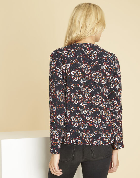 Marineblauwe blouse met print en vetergaten aan de halsopening Clarisse (4) - 37653