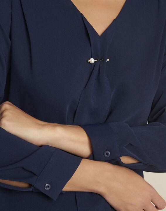Donkerblauwe blouse met juweel aan de halslijn Capucine (3) - 37653