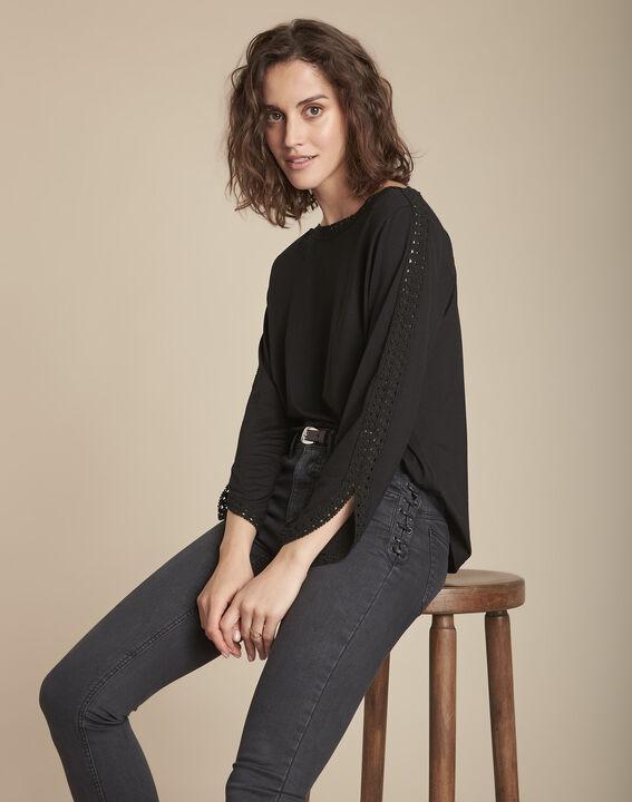Tee-shirt noir en dentelle Caprice PhotoZ | 1-2-3