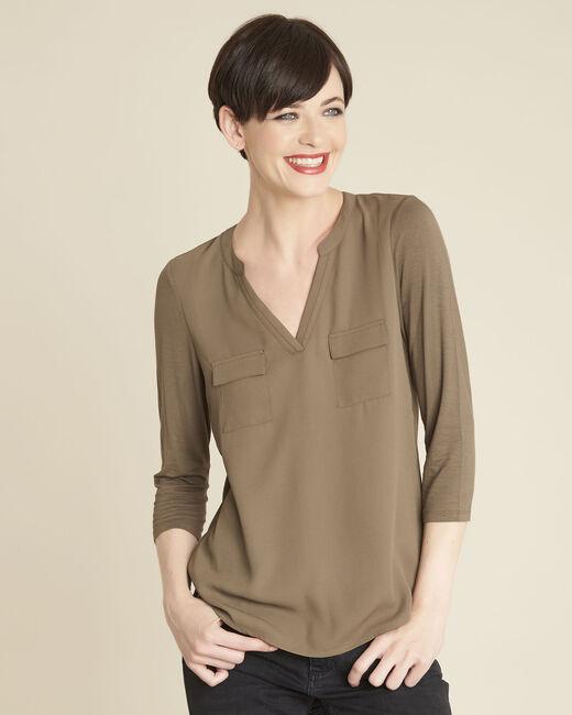 Khakifarbenes T-Shirt im Materialmix mit Tunika-Kragen Genna (2) - 1-2-3