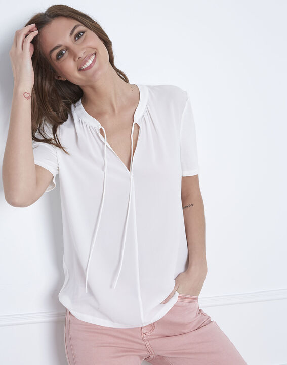 Viola laced blouse with white neck (2) - Maison 123