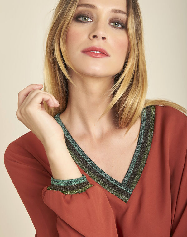 Carla terracotta loose blouse with shiny V-neckline (2) - 1-2-3