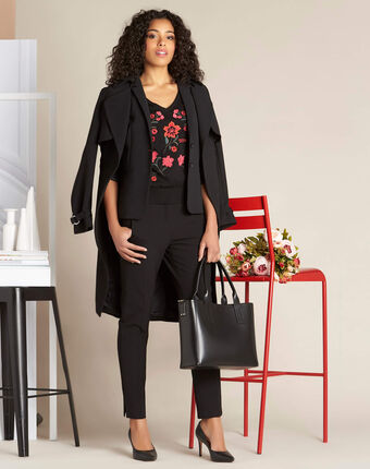 Nouette black v-neck sweater with embroidery black.