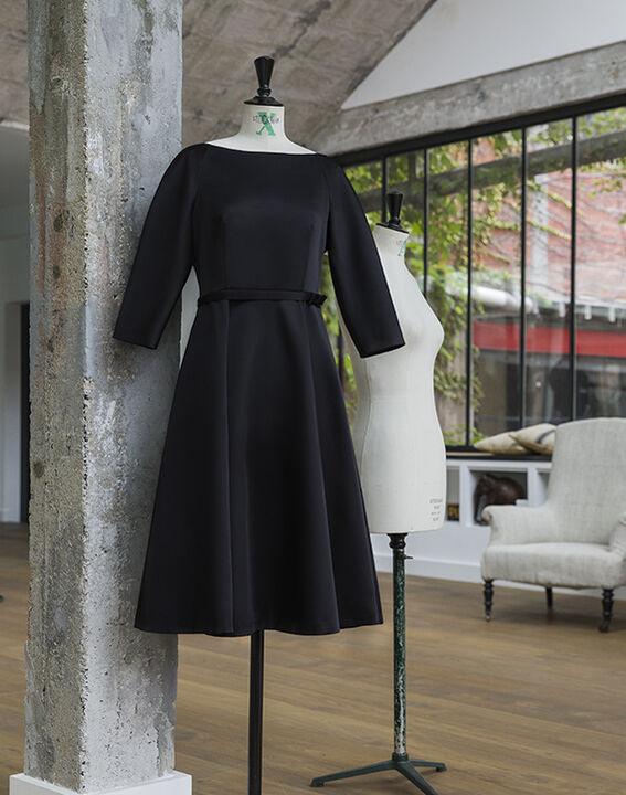Robe noire satin col bateau Nicole - EXCLU WEB (2) - 1-2-3