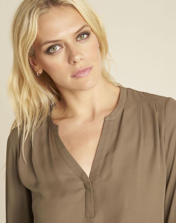 Khakifarbene Bluse mit V-Ausschnitt Christine (3) - 1-2-3