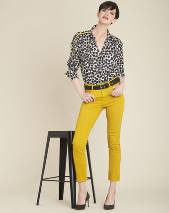 Cathleen white shirt with leaf print off white.