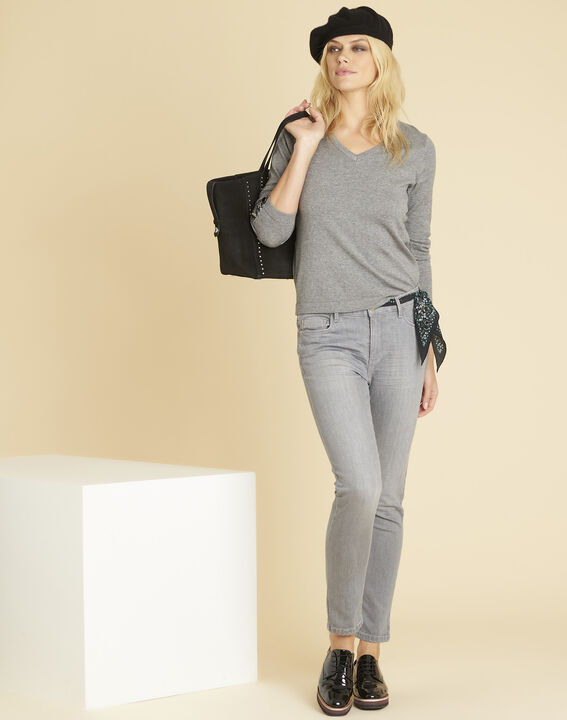 Beth grey cashmere mix sweater with V-neckline (2) - 1-2-3