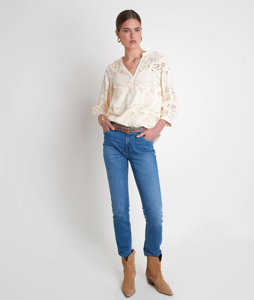 Strogele blouse met Engels borduurwerk Tebene PhotoZ   1-2-3