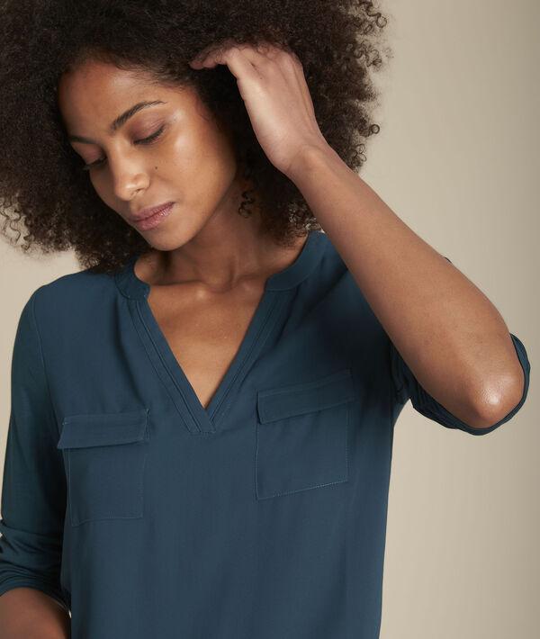 Dennengroene blouse uit twee materialen met Tunesische kraag Genna PhotoZ   1-2-3
