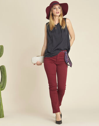 Vendôme ruby slim-cut standard-waist 7/8 length jeans dark red.