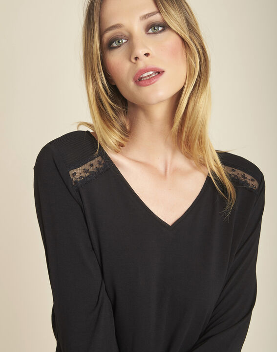 Girl black long-sleeved T-shirt with lace detailing (3) - 1-2-3