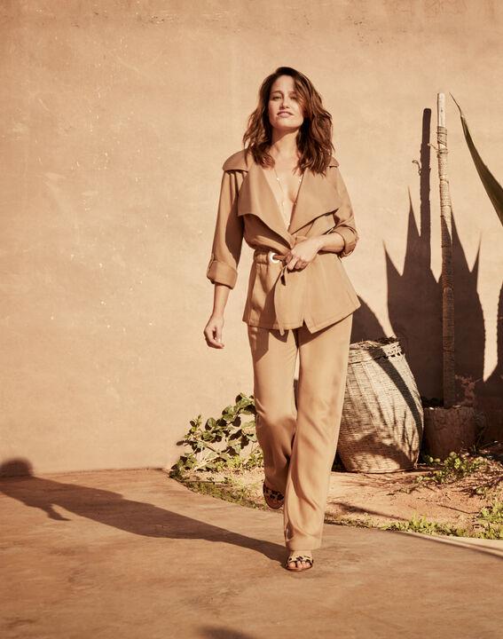 Fließende, beigefarbene Jacke mit Ösen-Detail Felicita (1) - Maison 123