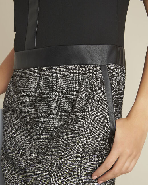 Zwarte jurk van twee soorten materiaal Dizzy (1) - 37653