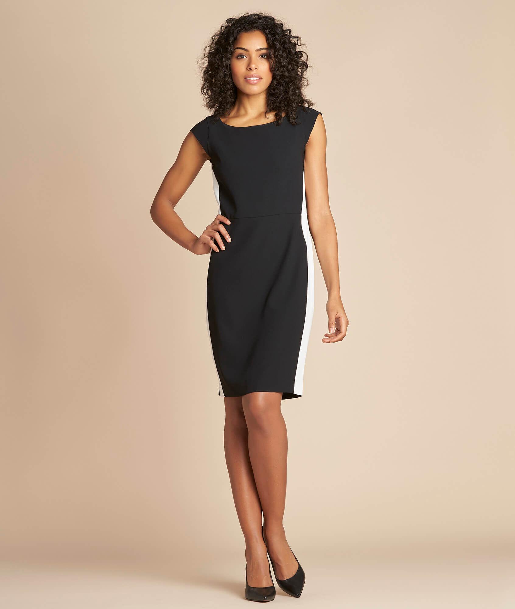 Que porter avec une robe noire droite