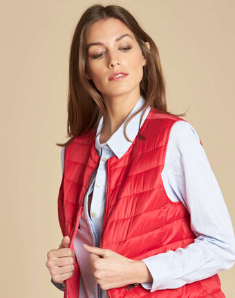 Yvana fine red sleeveless quilted jacket red.