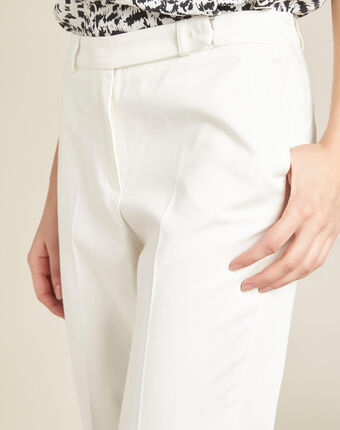 Rubis ⅞-length ecru trousers off white.