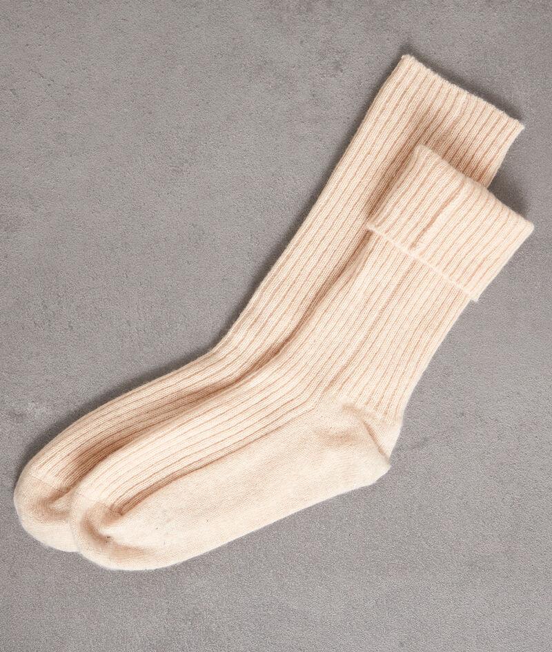Chaussettes en cachemire côtelé beige Thevan PhotoZ | 1-2-3