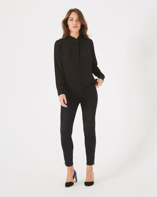 Schwarze Hemdbluse mit Schmuckdetail Darling (2) - 1-2-3