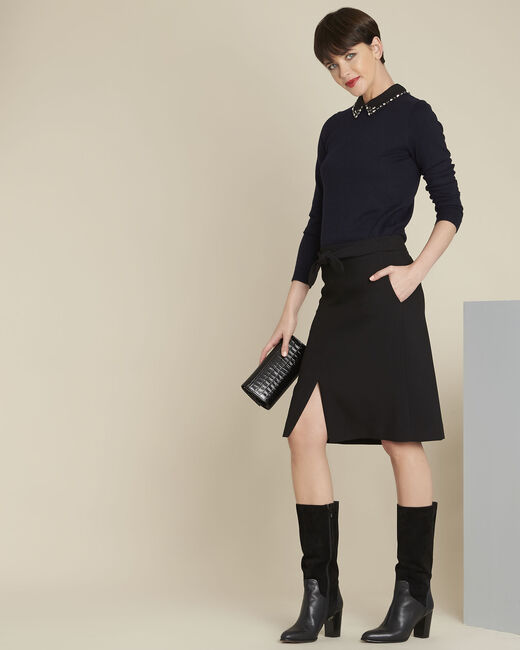 Donkerblauwe trui met claudinekraag en juweel van wol Bijoux (1) - 37653