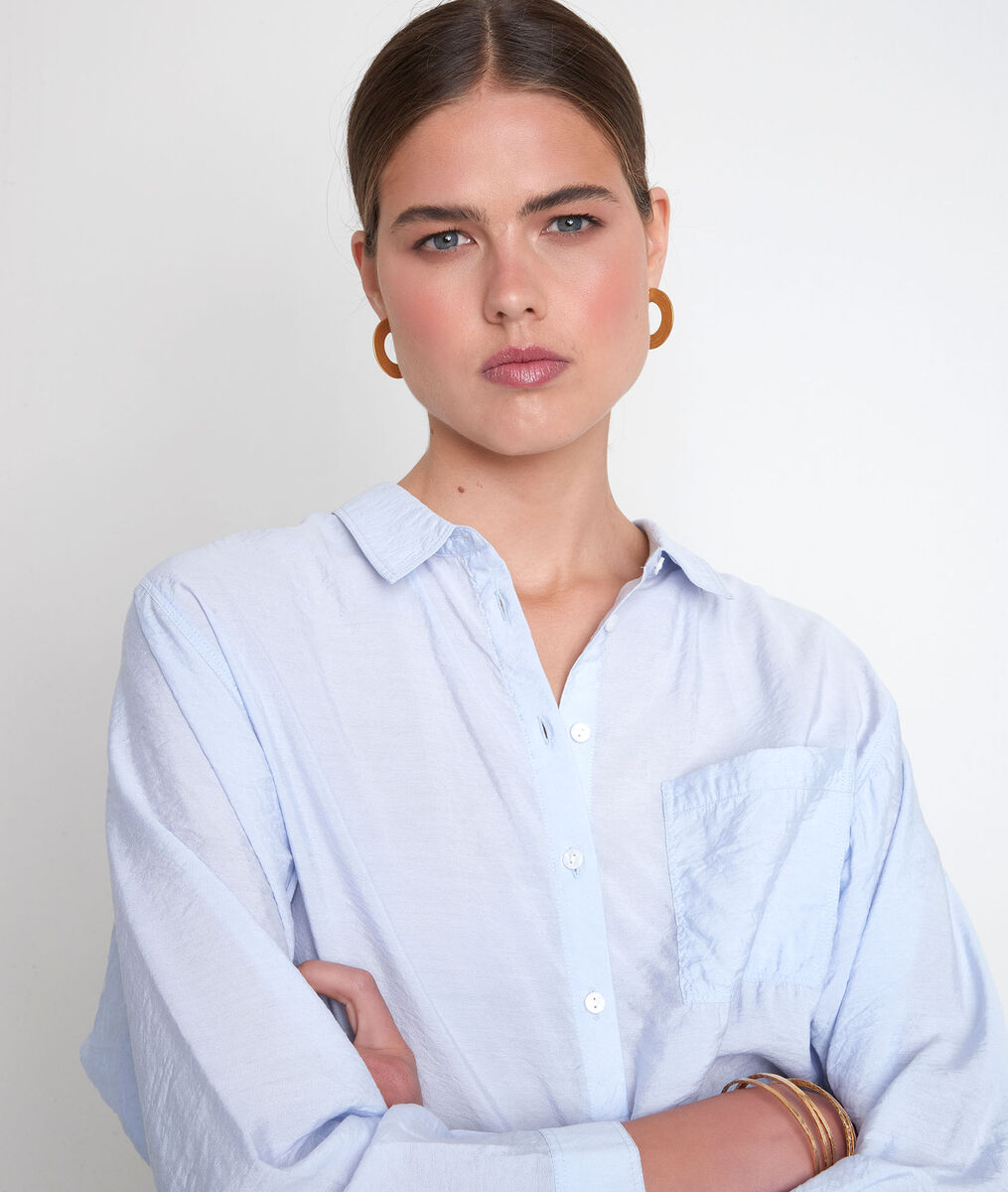 Hemelsblauw licht en wijd hemd Adila PhotoZ | 1-2-3