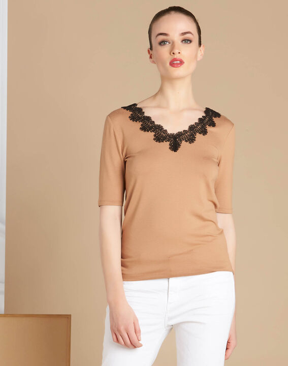 Eloge camel T-shirt with rounded lace neckline (3) - 1-2-3