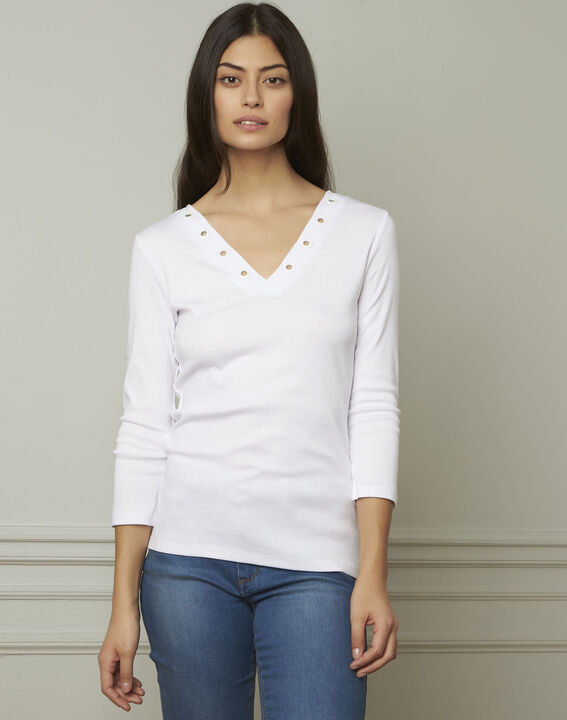 Basic white T-shirt with V-neck eyelet neckline PhotoZ | 1-2-3