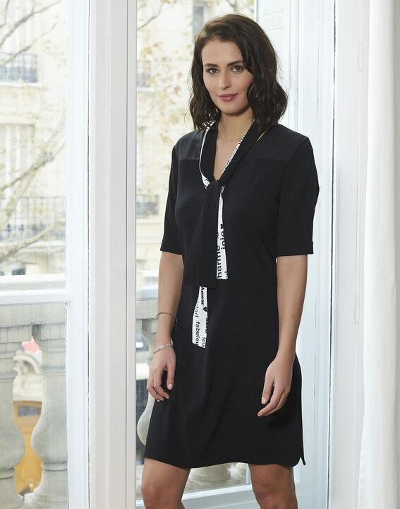 Schwarzes Kleid mit Schleife aus Kreppstoff Djamila (1) - 1-2-3