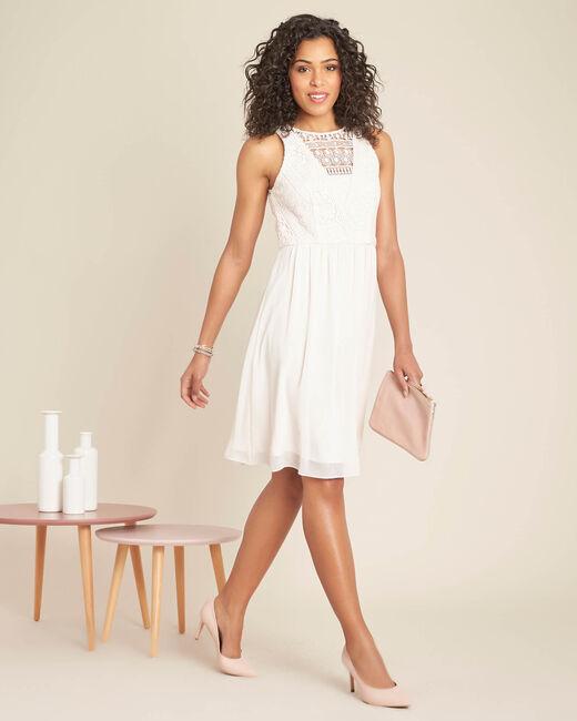 Poederkleurige jurk met kanten halsopening Ibiza (1) - 37653