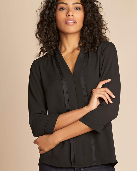 Elea black blouse with romantic neckline (1) - 1-2-3