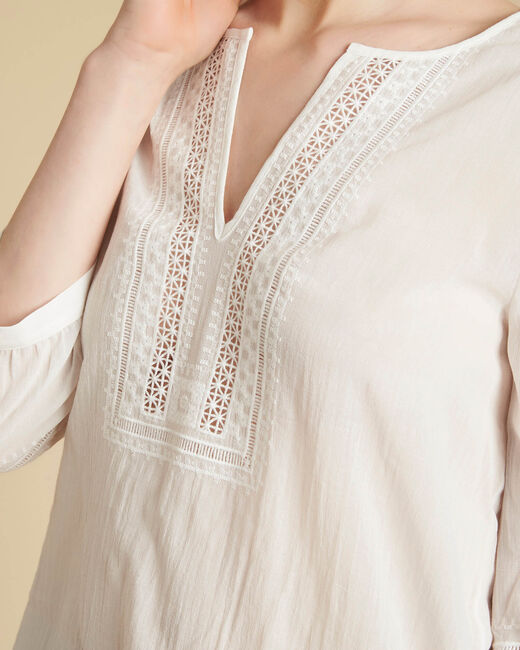 Gabi ecru blouse with lace at the neckline (2) - 1-2-3