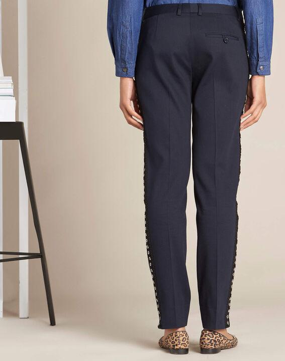 Pantalon de tailleur marine et sa bande latérale oeillets Valero (4) - 1-2-3