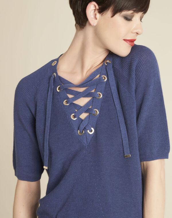 Blauwe trui met rijgwerk en vetergaten aan de halsopening Boheme (2) - 37653