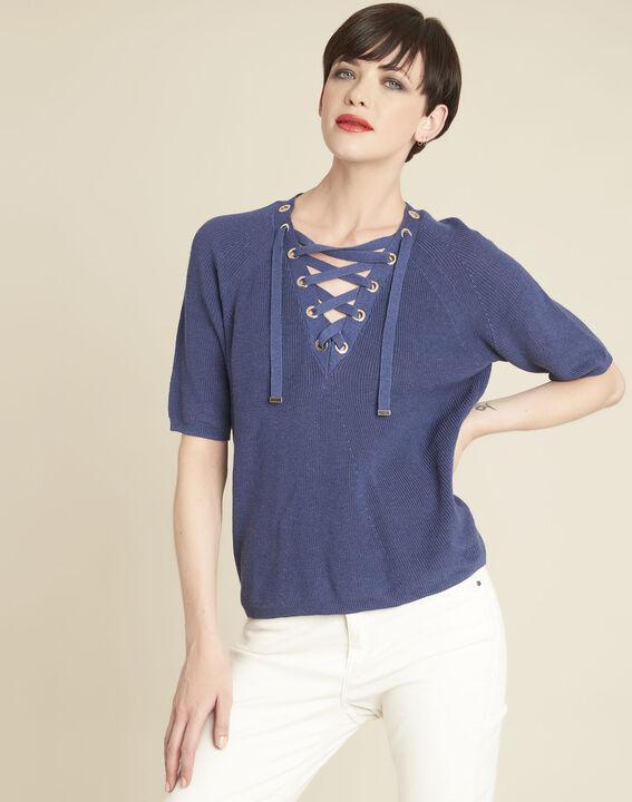 Blauwe trui met rijgwerk en vetergaten aan de halsopening Boheme PhotoZ | 1-2-3