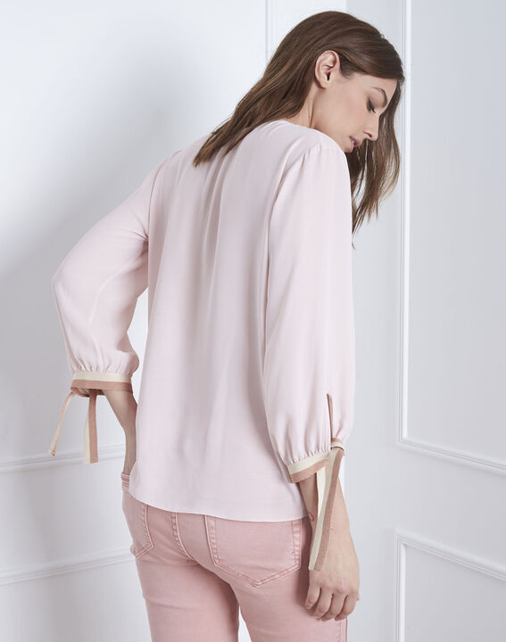 Blassrosa Bluse mit kontrastfarbenen Details Vicky (4) - Maison 123
