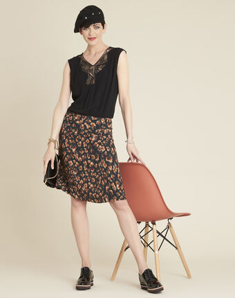 Astuce black skirt with an animal hide print  black.