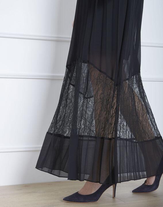 Robe noire plissée longue dentelle Hedda (3) - Maison 123